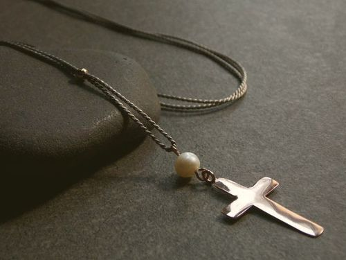 silk grey silver beads rosegold plated and cross  with white pearl