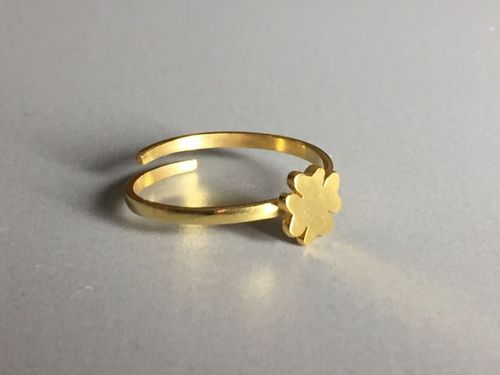ring shamrock gold plated
